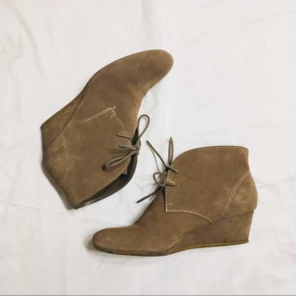 b9ac5327fe8 Nine West lace up wedge suede booties size 7.5. M 5a9742afa825a693d3e4231c